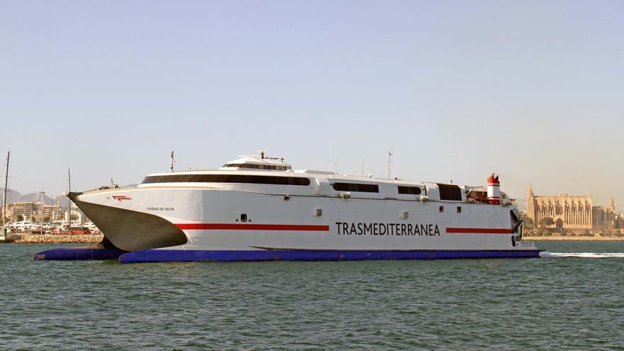 La empresa propietaria de Trasmediterránea intenta evitar la quiebra renegociando su deuda con los acreedores
