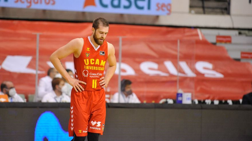 En directo: El UCAM aguanta al Baskonia en el primer cuarto (17-23)