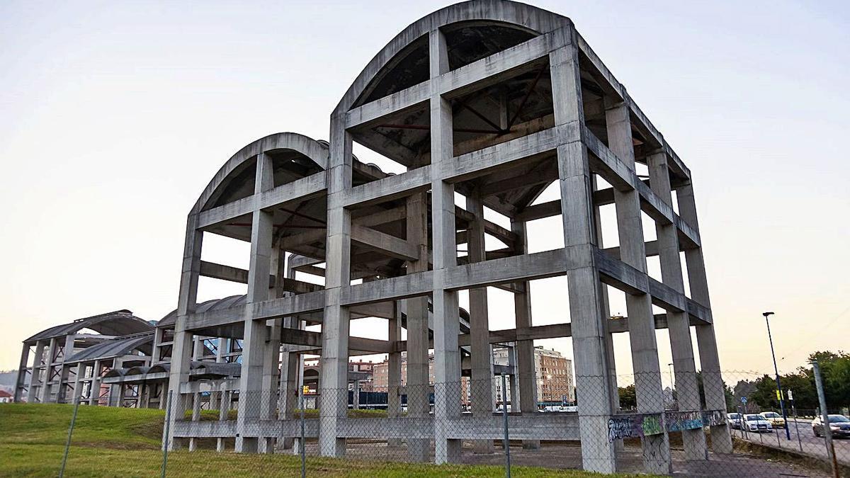 Estructura de la antigua fábrica de La Cros. |   // ALEXANDRE VARELA