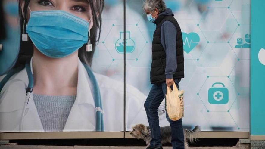 Canarias ha puesto más de la mitad de las vacunas recibidas