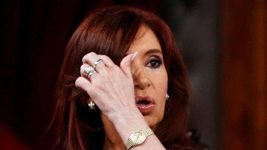 Un tribunal reabre el caso de la denuncia del fiscal Nisman contra Cristina Fernández