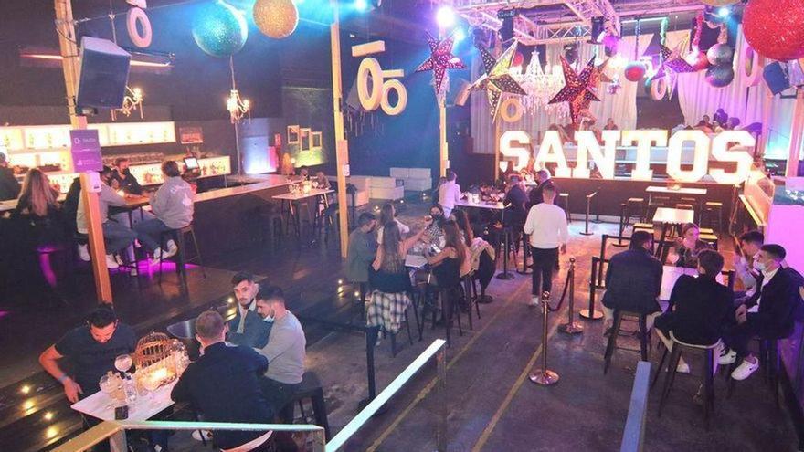 Sanidad aclara que el uso de la pista de baile en las discotecas está prohibido
