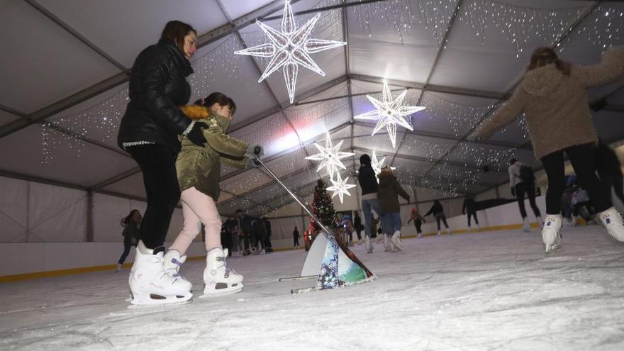 Olaf y Mickey patinarán con los niños en la pista de hielo de Las Meanas