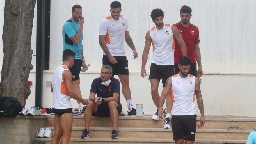 Entrenamiento del Valencia tras la victoria ante Osasuna