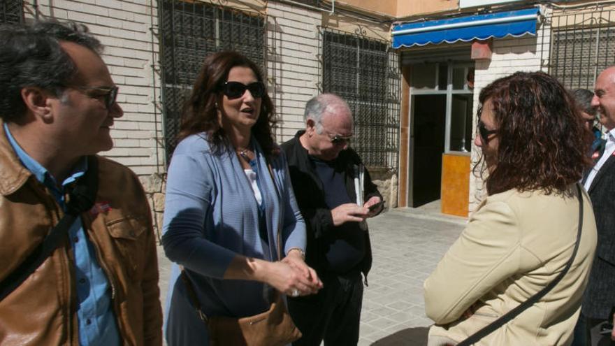 El alcaldable socialista de Alicante presiona para meter «in extremis» en la candidatura a dos «sanchistas»
