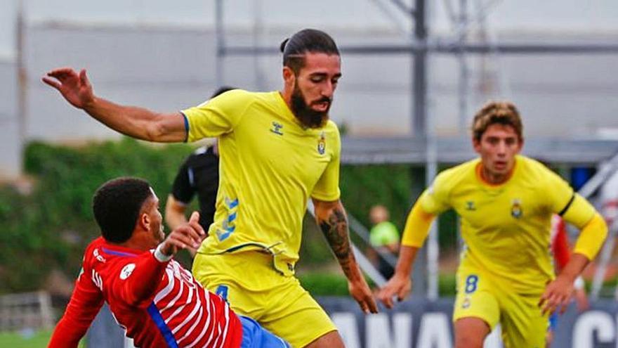 La cabeza de Siverio da tres puntos de oro a Las Palmas Atlético en Granada