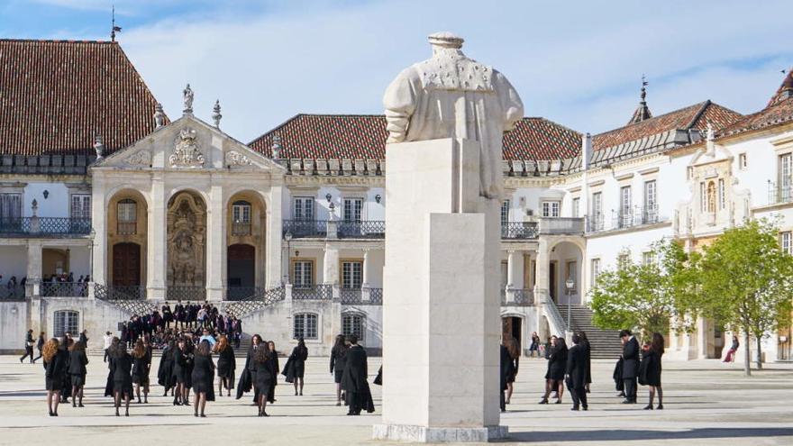 Portugal cierra los colegios tras su último récord de víctimas