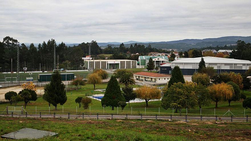 A Estrada lleva a cabo una mejora general de las instalaciones deportivas y su entorno