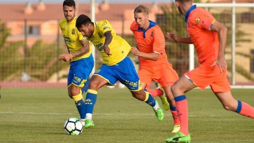 La doble 'V' de la UD debuta el viernes 18 de agosto ante el Valencia en Mestalla