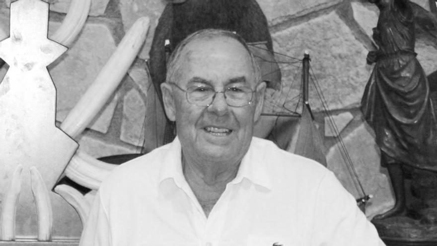 Fallece en un accidente de coche en Murcia el fundador de las zapatillas Paredes