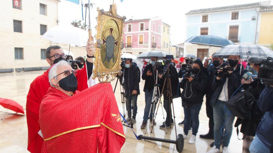 Suspendida la bendición de la Santa Faz desde el Castillo de Santa Bárbara por la lluvia