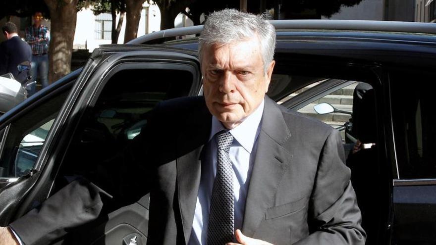 El expresidente de la CAM se declara culpable del cobro irregular de 600.000 euros