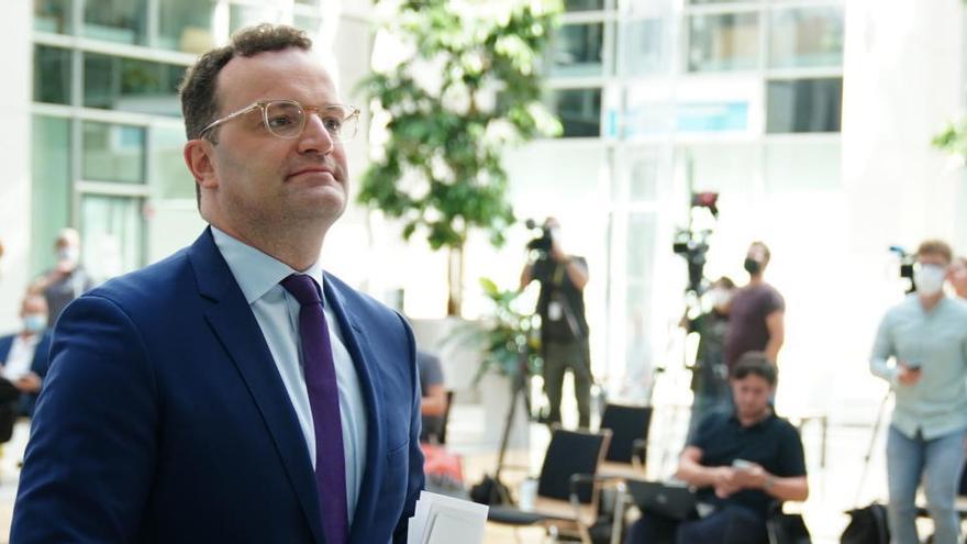 """El ministro alemán de Sanidad: """"Quien viaje a España, pese a la advertencia, debe protegerse"""""""