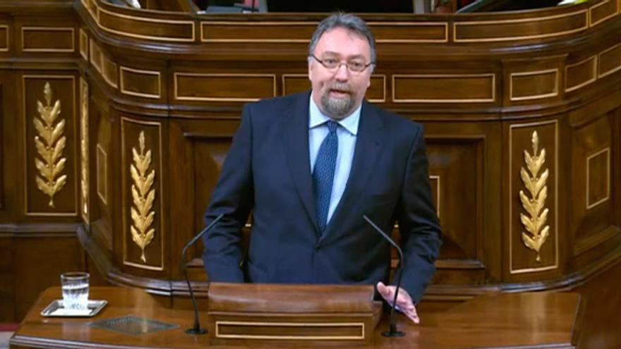 Pedro Sánchez hablará sobre el paro juvenil en Asturias tras una pregunta de Foro