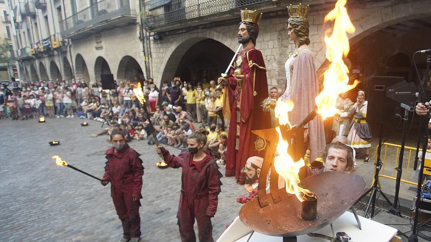 Arribada de la Flama del Canigó a Girona