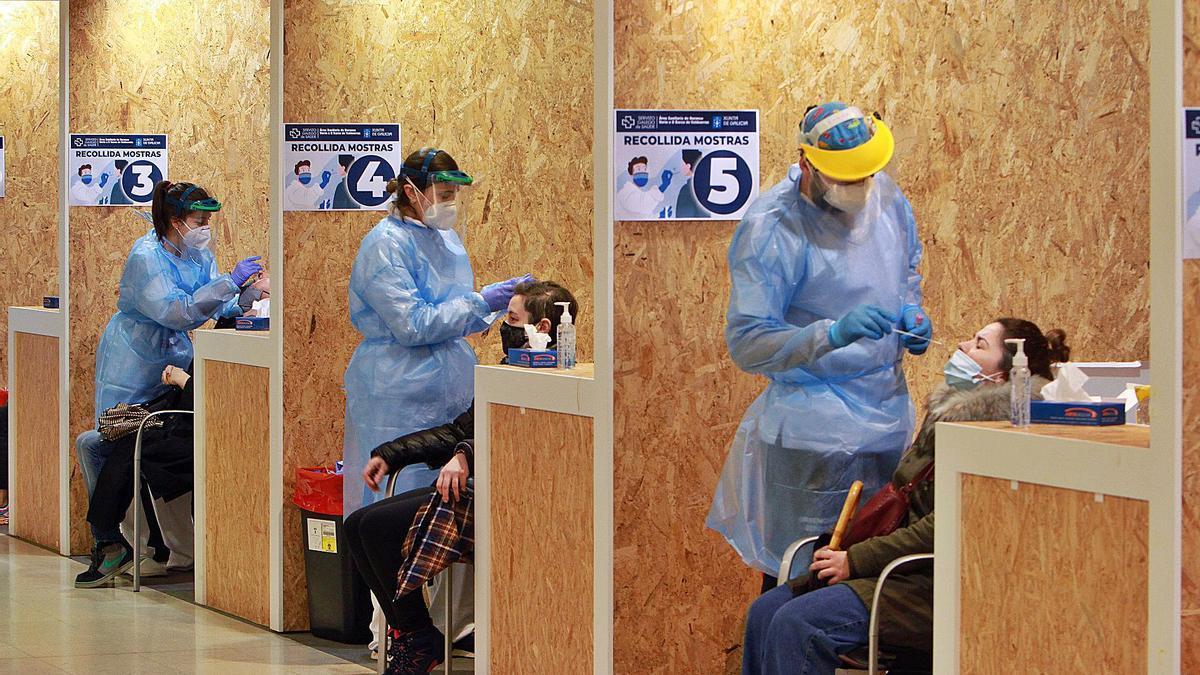 Zona de recogida de muestras, con cinco puestos habilitados.   | // IÑAKI OSORIO