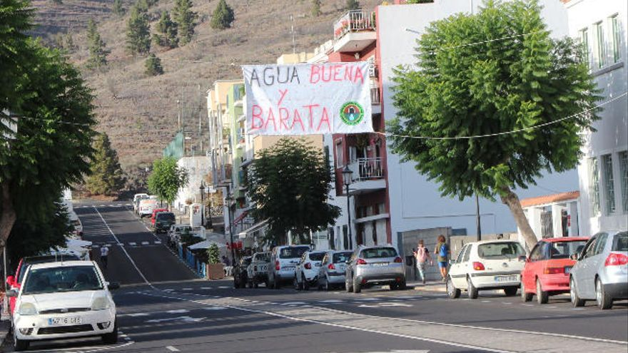 """'Agua para La Palma' califica de """"engaño"""" la gestión del trasvase"""