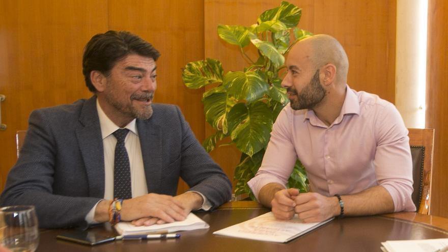 Barcala y López, en una reunión previa a la pandemia
