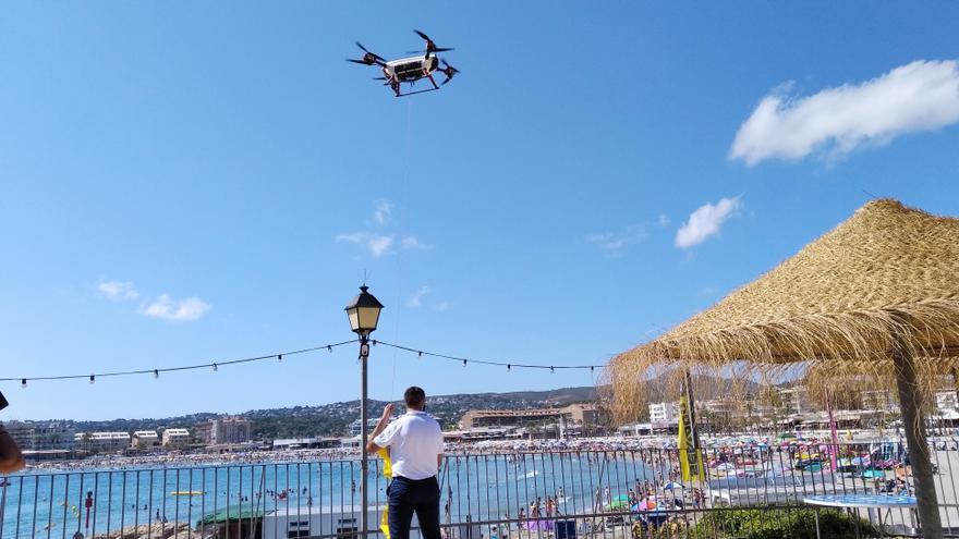 Los drones sobrevolarán las playas de diez municipios valencianos para evitar ahogamientos