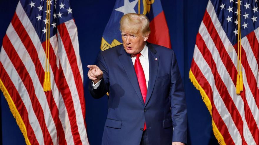 El disco rayado de Trump para combatir su irrelevancia