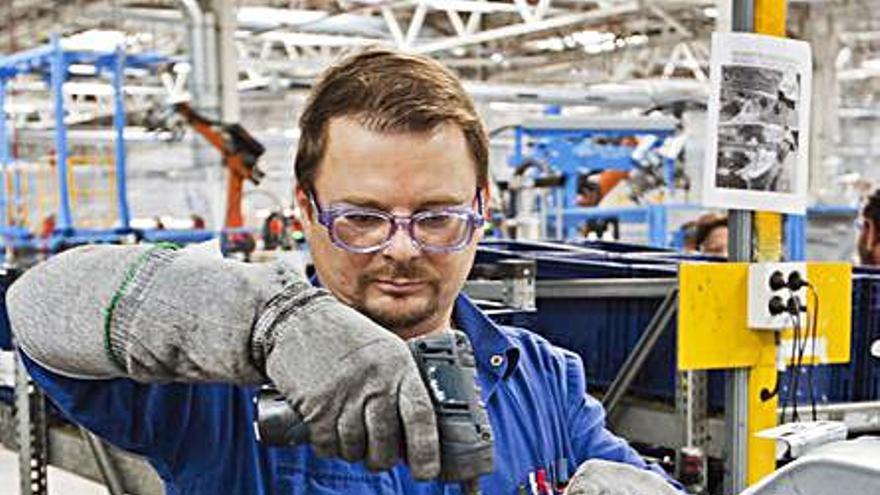 Ford Almussafes alivia el ERTE y volverá a tener el turno de noche en agosto