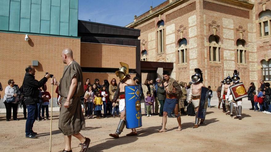 Los gladiadores romanos llegan al Rectorado de la mano de las Kalendas
