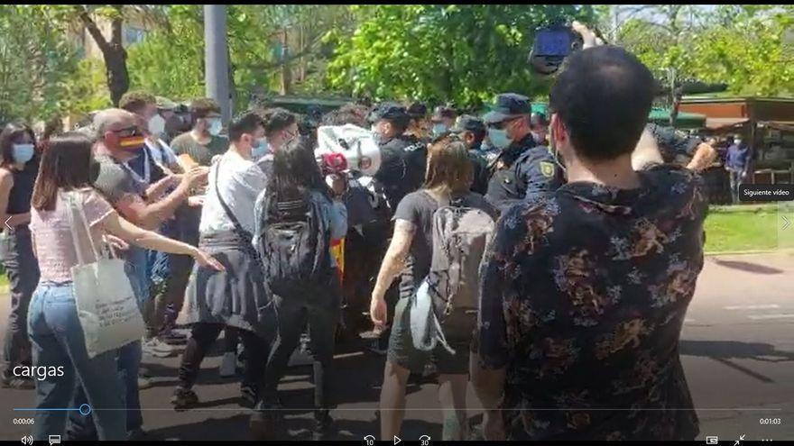 Cargas policiales y dos detenidos en las protestas contra el Rey en Castellón