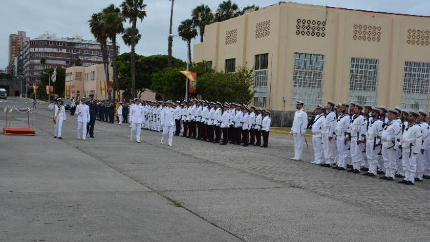 El almirante jefe del Estado Mayor de la Armada visita Canarias