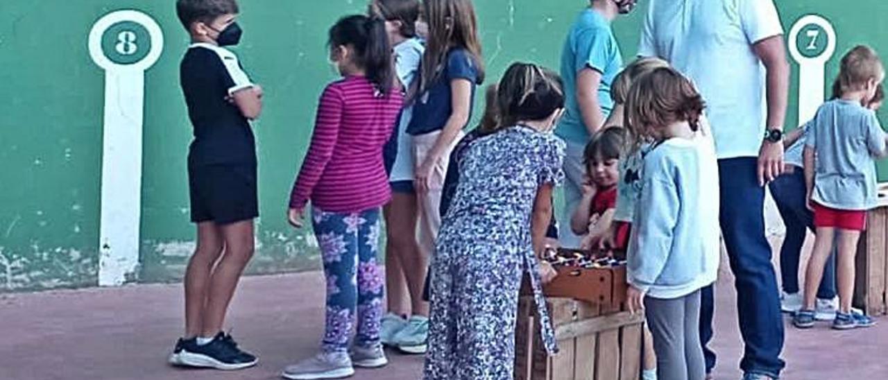 Los niños de Benavites en los juegos.   C.MARQUÉS