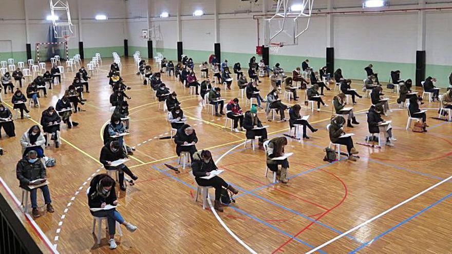La oposición para seleccionar una plaza de auxiliar administrativo en A Laracha convoca a 98 aspirantes