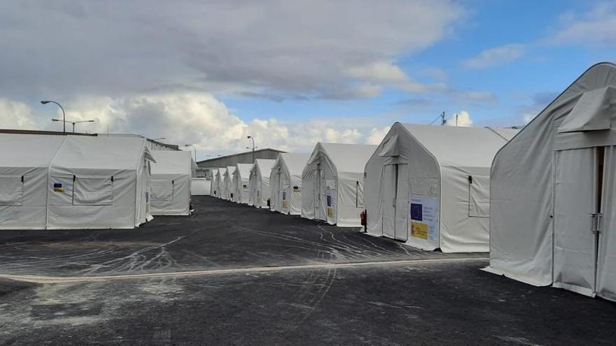 Traslado de los migrantes alojados en hoteles a 'Canarias 50'