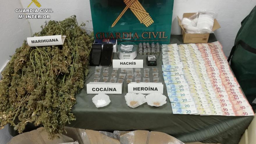 La Guardia civil desmantela un punto de venta de droga en Baena