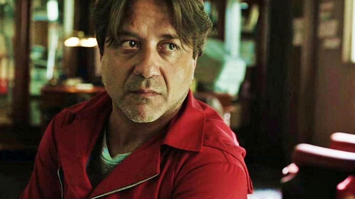 El valenciano Enrique Arce triunfa en «La casa de papel».   LEVANTE-EMV