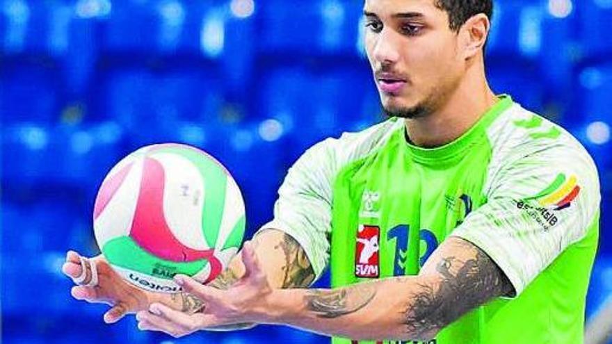 Rodrigo Pernambuco es la gran sensación de la Superliga en su año de debut.