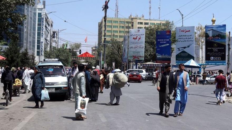 Personal de cuatro ministerios prepara la evacuación de Afganistán de españoles y afganos