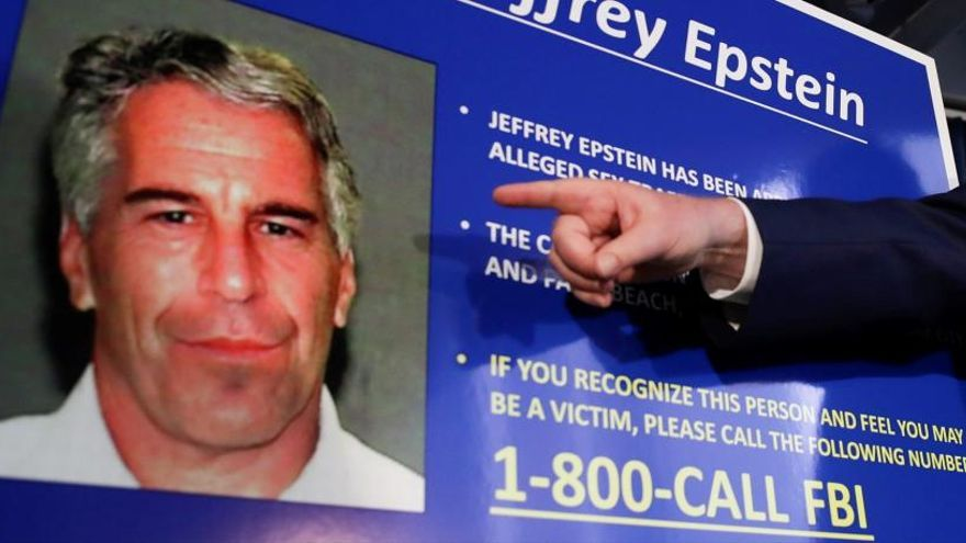 Una foto de Epstein de un cartel.
