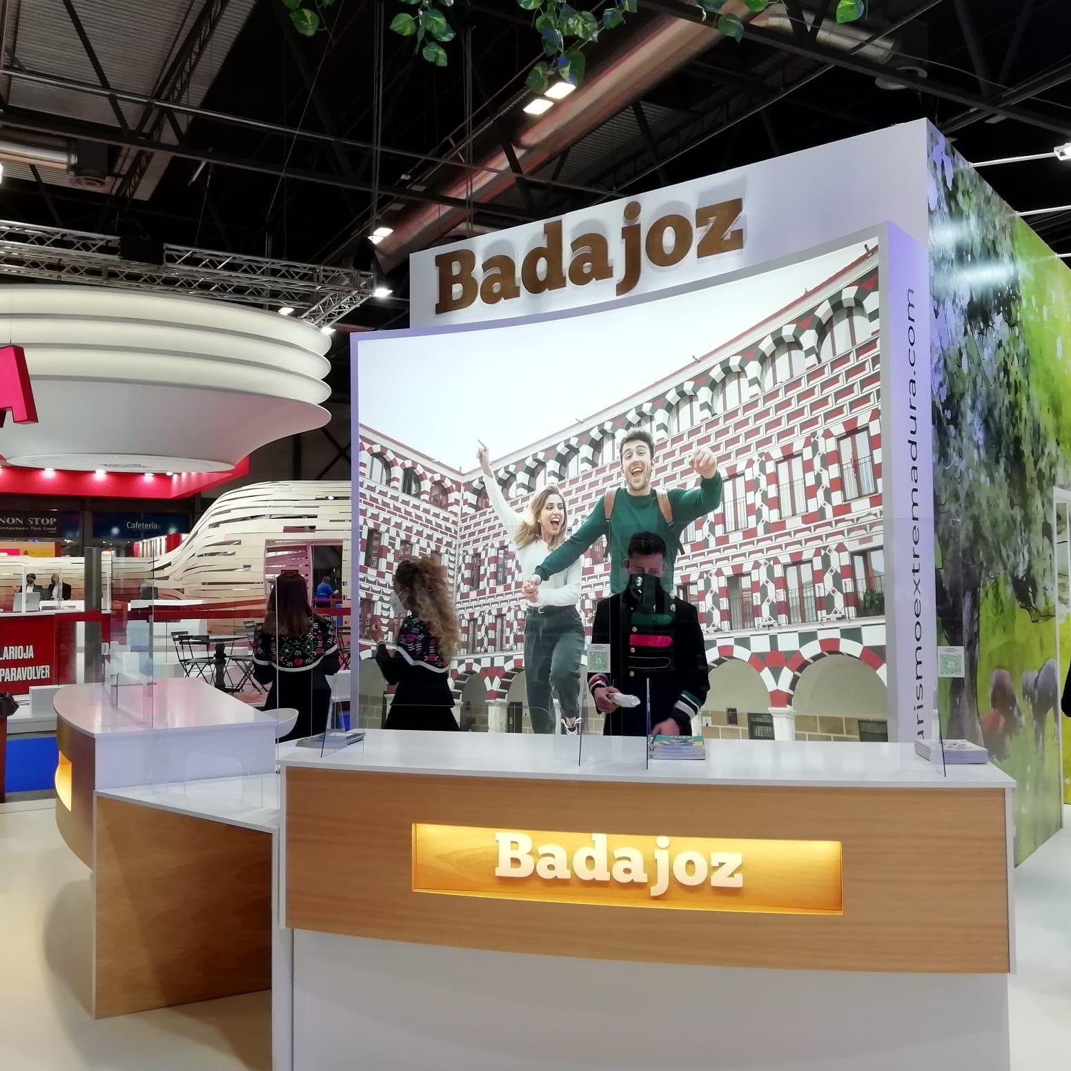 Extremadura despliega su encanto en la feria de FITUR 2021