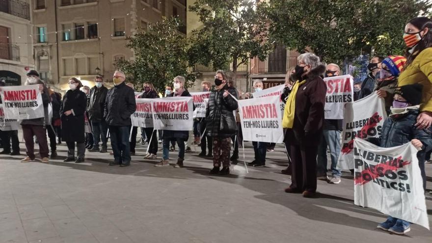 El sobiranisme surt a Figueres en solidaritat amb els presos polítics i exiliats