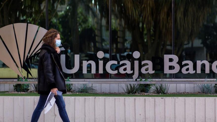 Unicaja y Liberbank prevén unos costes de reestructuración de 540 millones