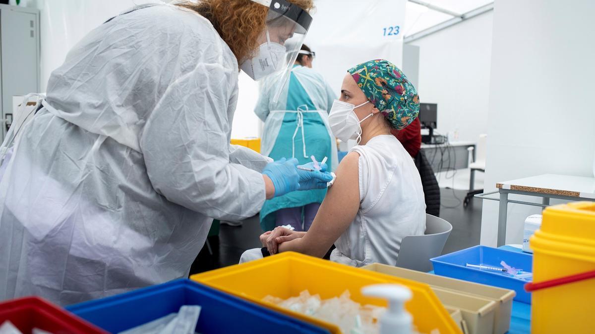 Vacunación sanitarios