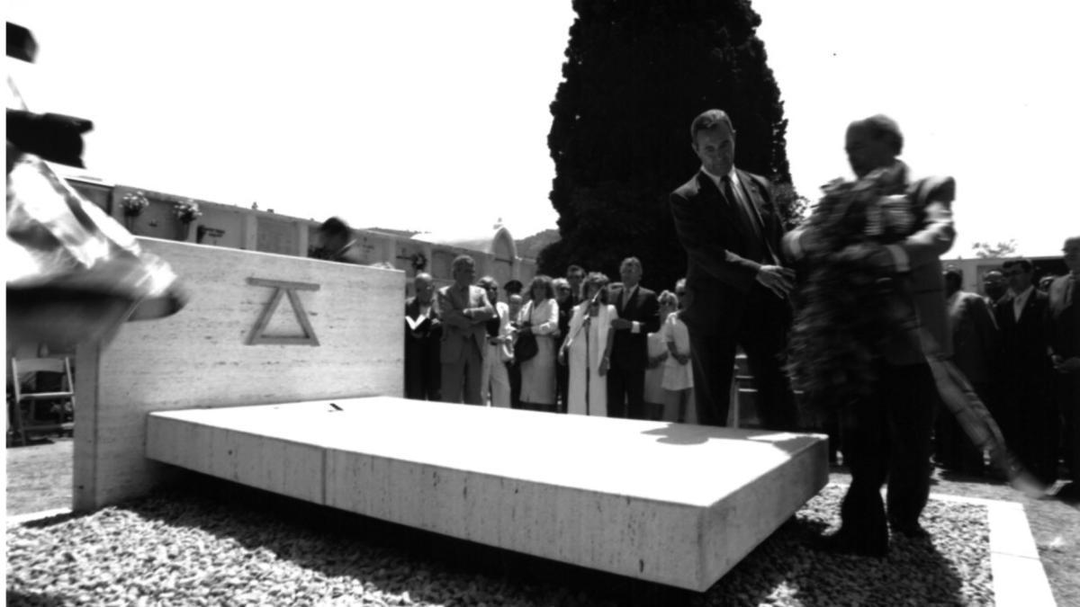 Acte d'inauguració de la tomba i de l'homenatge a Jaume Vicens Vives.
