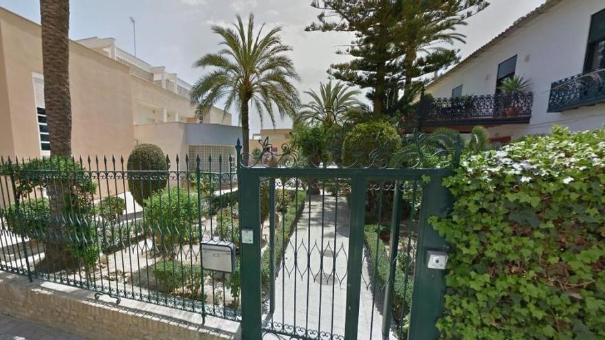 Cierran dos aulas de un colegio de Murcia porque los padres ocultaron dos positivos