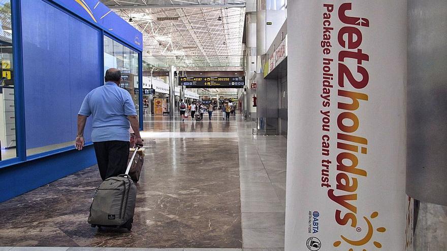 Canarias corre el riesgo de verse sin aviones a la vuelta del turismo