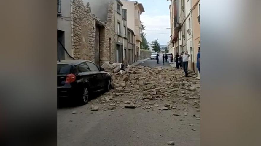 Impresionante derrumbe en una casa en Catí