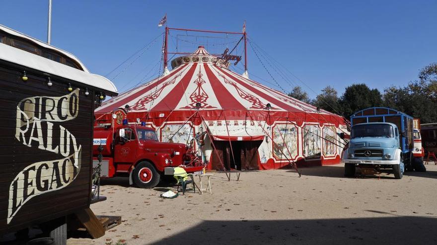 Un circ confinat a Girona que es resisteix a abaixar el teló