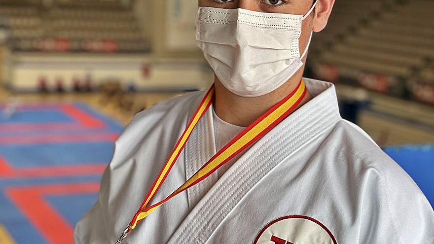 El karate de Paiporta se lleva el bronce del campeonato de España por estilos