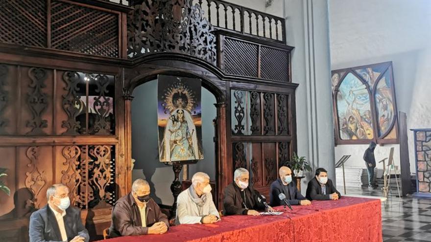 """El Hierro espera """"cumplir"""" con la Bajada de La Virgen aunque descarta su realización en 2021"""