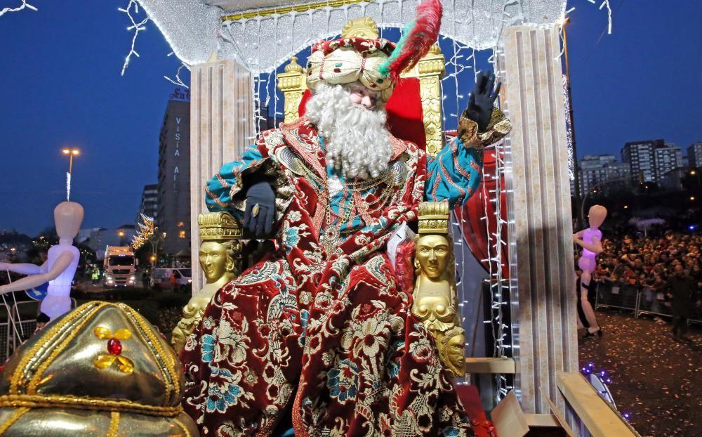Las imágenes de la Cabalgata de Reyes de Vigo 2019