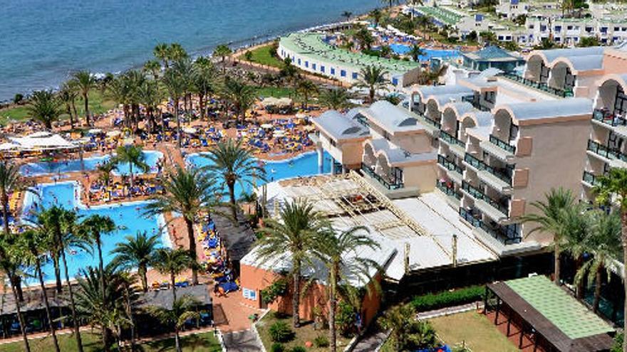 Canarias exige al Estado un plan de infraestructuras turísticas con ficha financiera