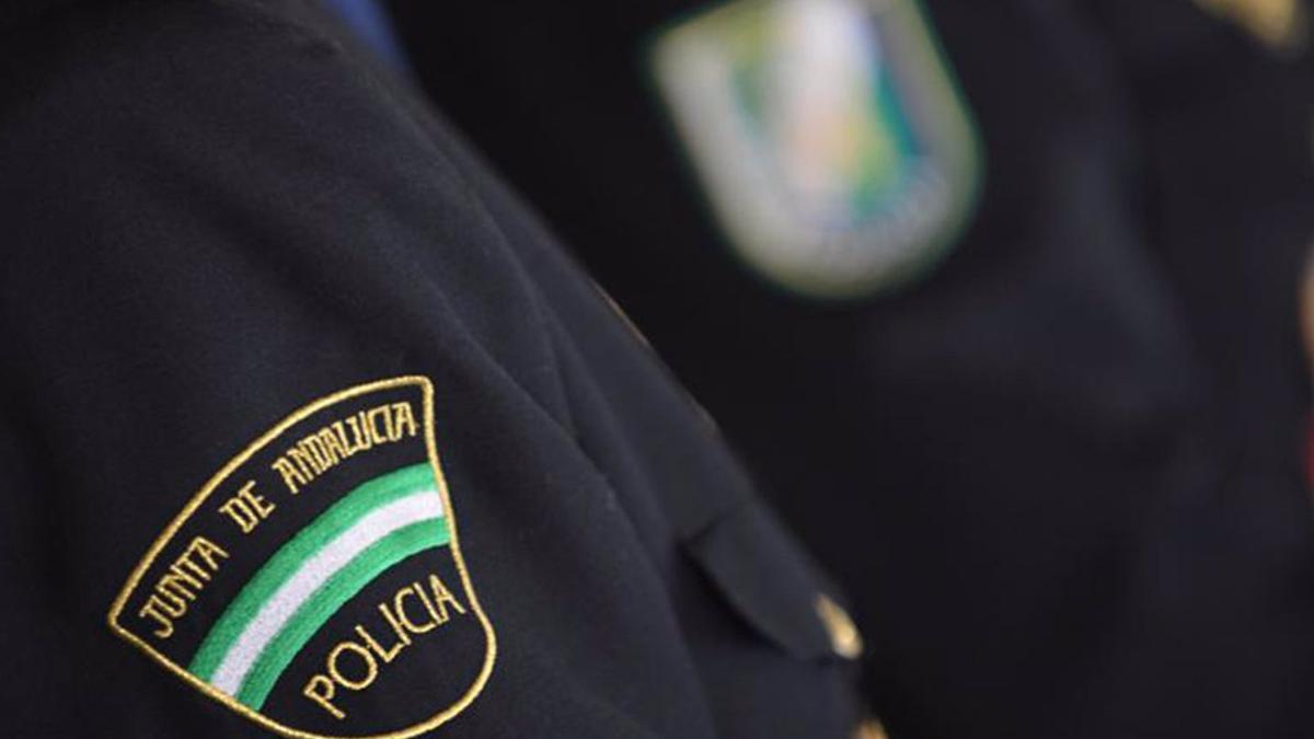 Agente de la Unidad del Cuerpo Nacional de Policía Adscrita a la Comunidad Autónoma de Andalucía.